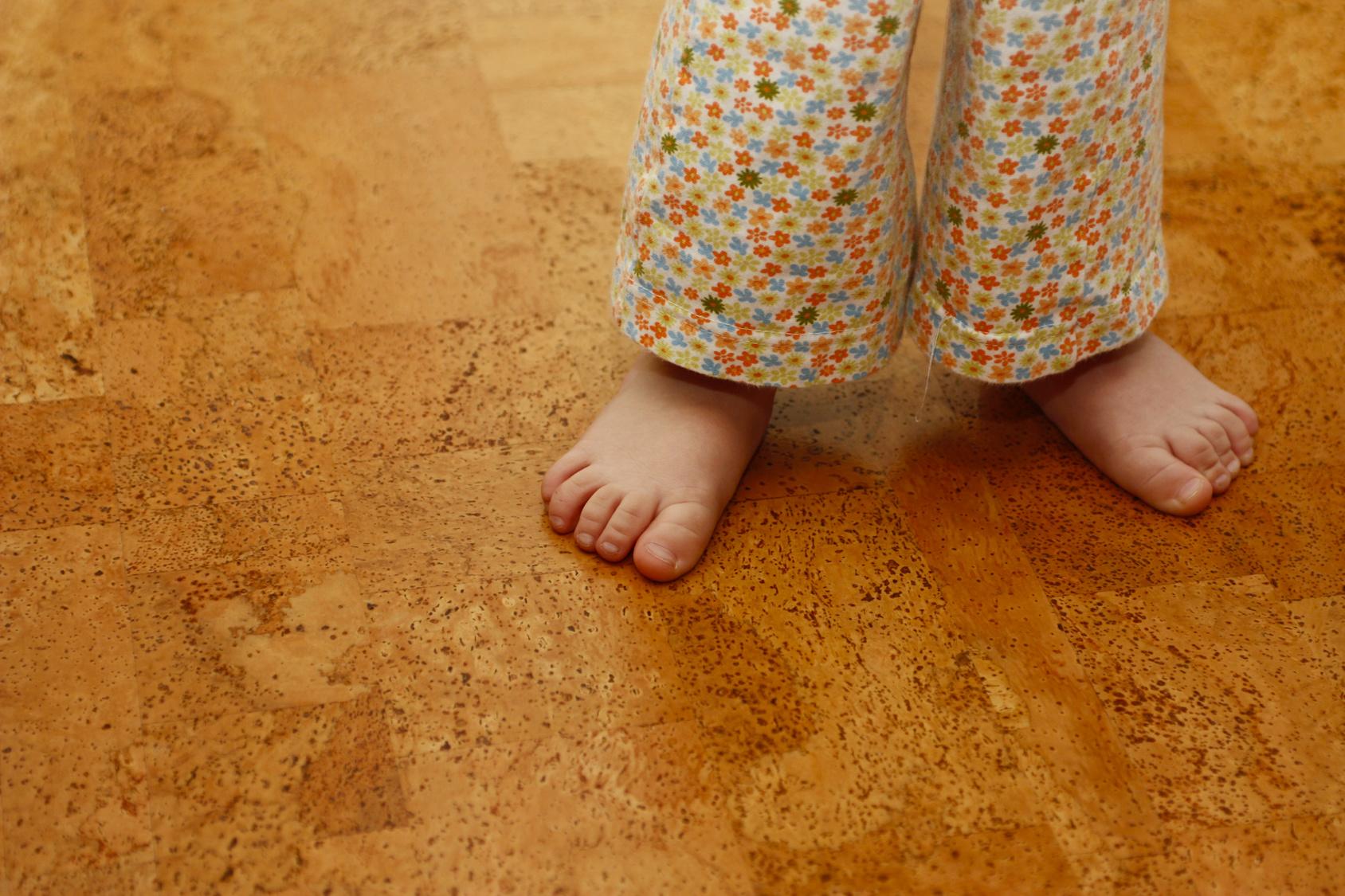 Fußboden Dämmen Mit Kork ~ Qualität auf dem fußboden u mit dem kork logo wellinger gmbh